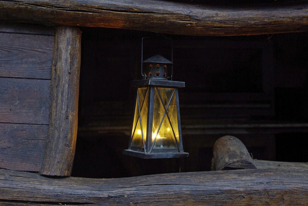 Die Laterne ist das Zeichen für die geöffnete Tür. Foto: Jürgen Frohse