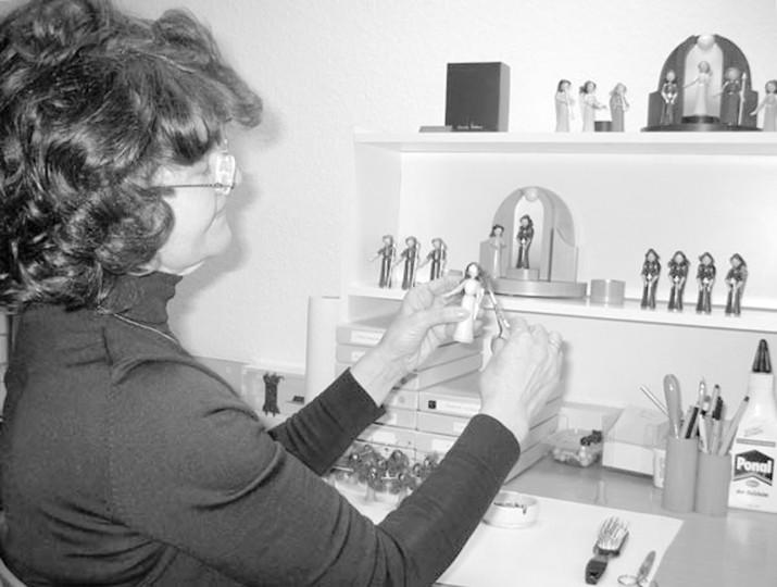 Annelie Wiltner in ihrer Werkstatt auf der Grundstraße.  Foto: PR
