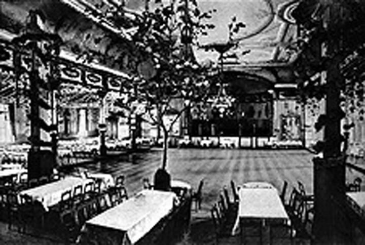 Im Ballsaal des Kurhauses fanden viele große und kleine Feste statt. Eine Aufnahme aus den ersten Jahren des Kurhaus-Betriebes.