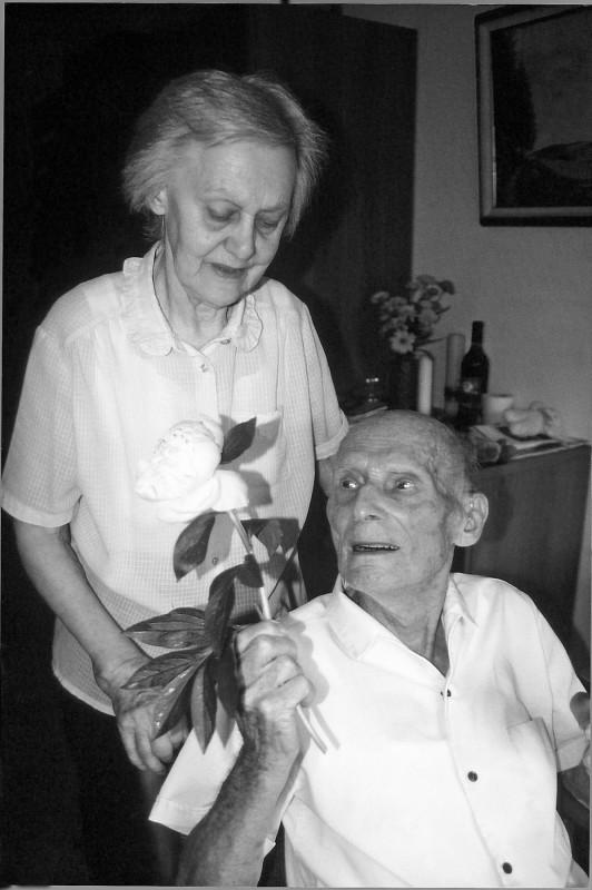 Herta und Georg Blume im Juni 2006 im Pflegeheim Maillebahn. Foto: Adelheid Neupert