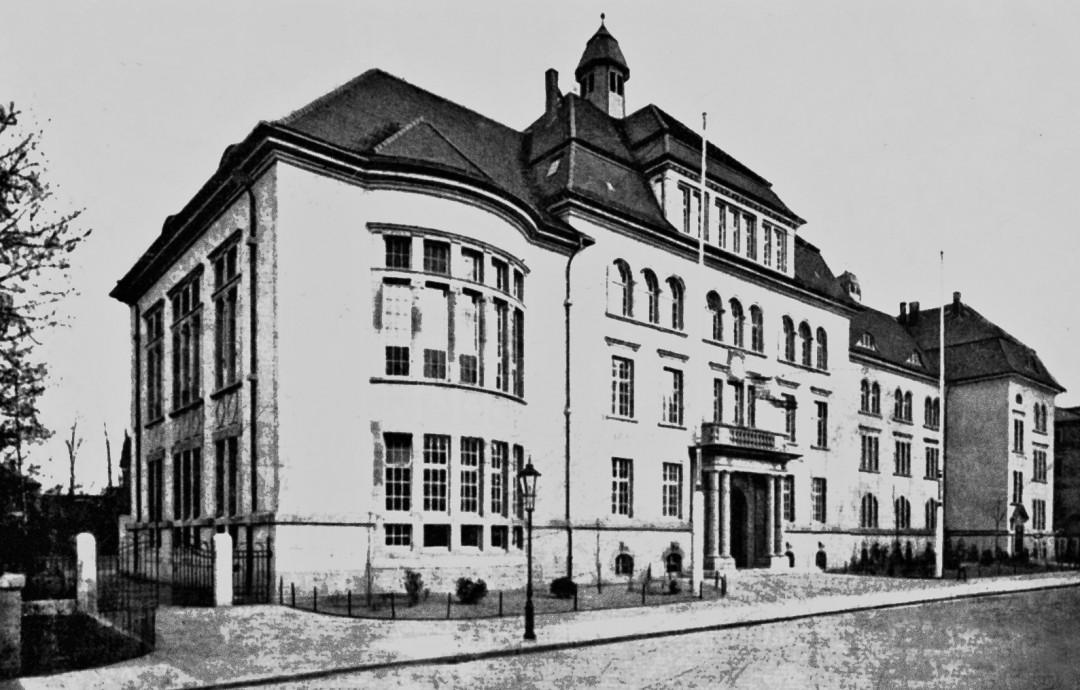 Gymnasium Blasewitz im Jahr seiner Fertigstellung, 1908. Foto: Sammlung Wolfgang Steglich