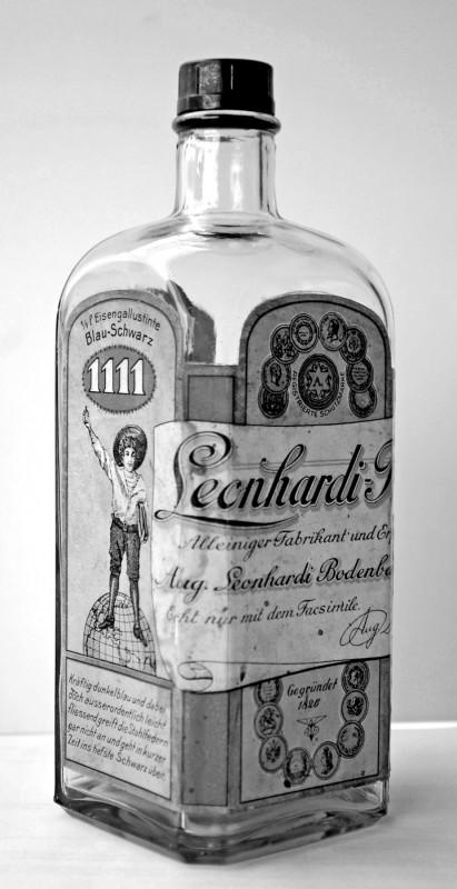 Tintenflasche der Firma Aug. Leonhardi aus der Sammlung  Hagen Kreisch