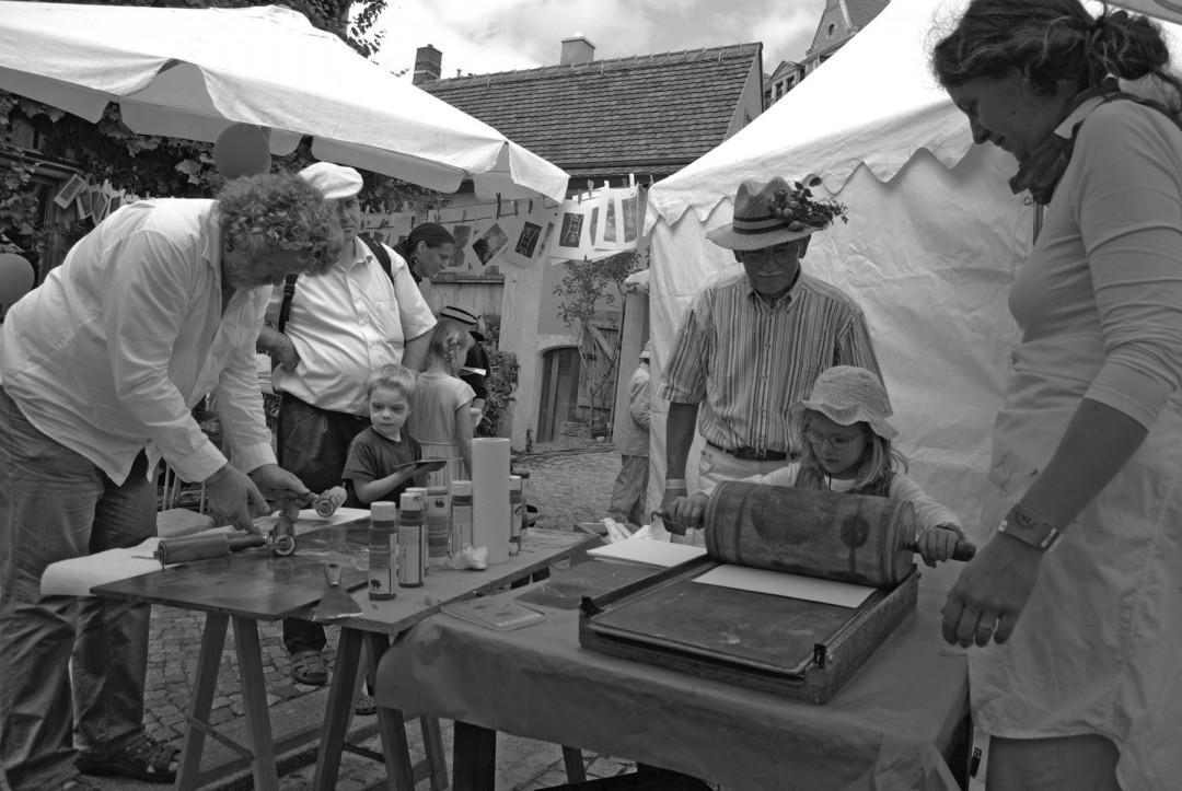 Die Buchkinder zum Elbhangfest 2008. Foto: Jürgen Frohse