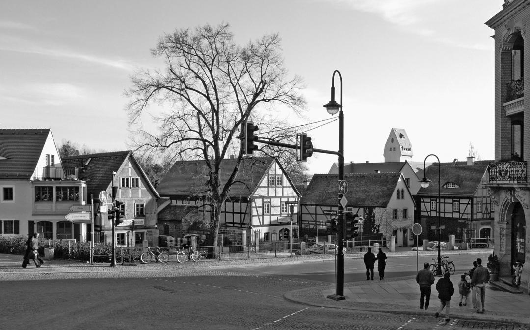 Blick vom Körnerplatz in die Friedrich-Wieck-Straße 2006 Foto: J. Frohse