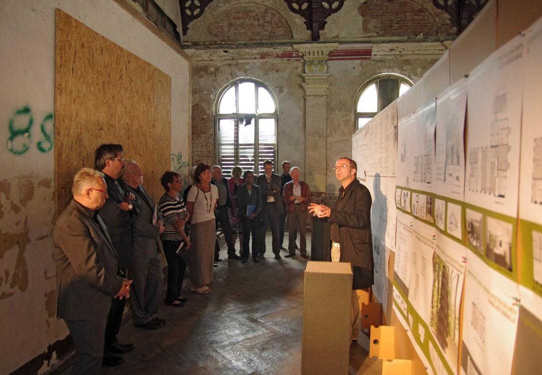 Vorstellung des Architekturwettbewerbes durch Volker Hofmann im ehemaligen Speisesaal. Foto: Jürgen Frohse