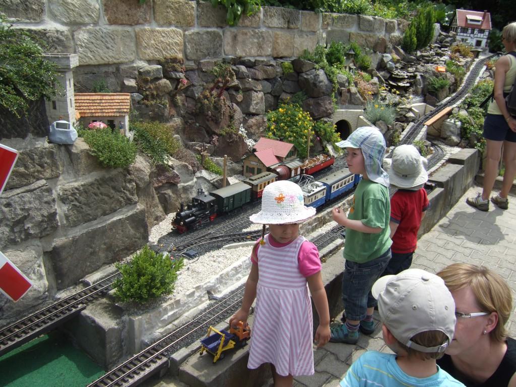 Besonderer Anziehungspunkt beim diesjährigen Elbhangfest für alle kleinen Bahn-Fans, auch ohne Bahn-Card.  Foto: Sonja Bernstengel