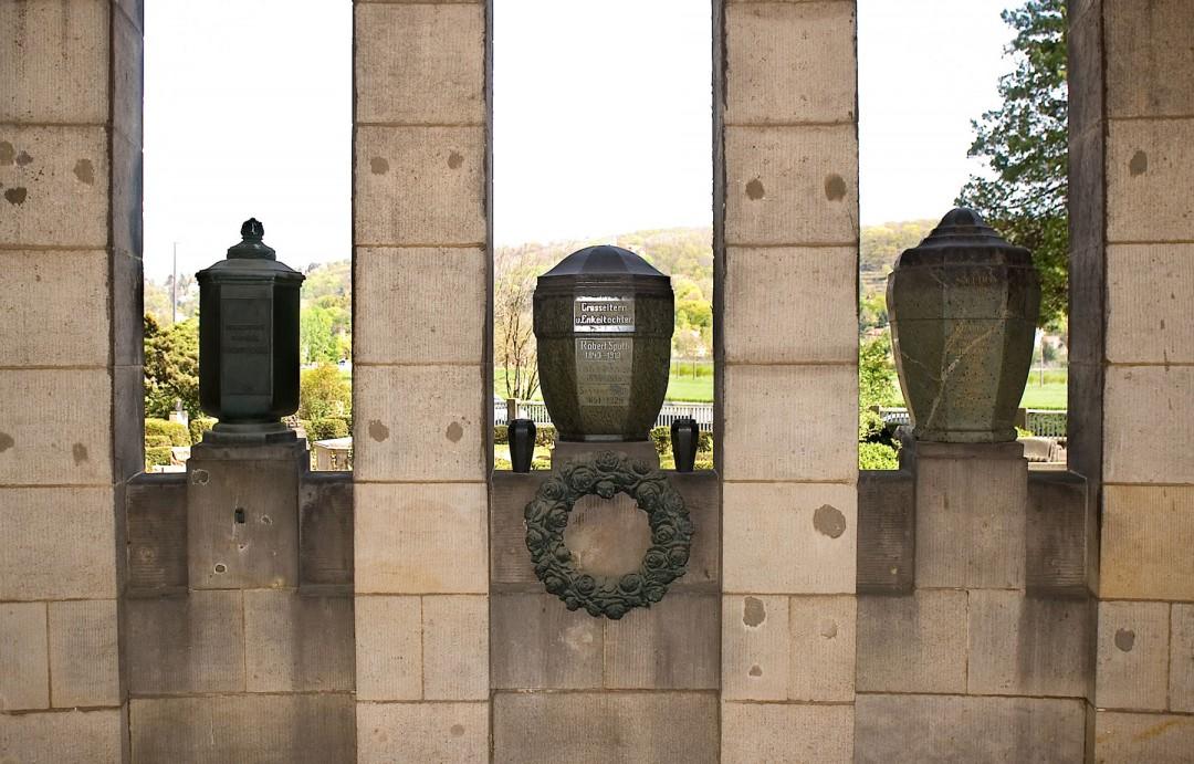 Urnen im Krematorium Tolkewitz Foto: Jürgen Frohse