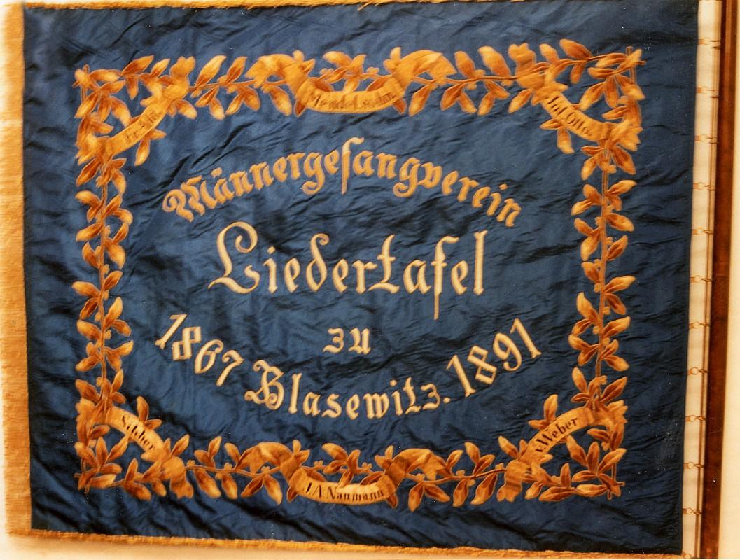 Die Fahne wird im Gemeindehaus der Striesener Versöhnungskirche aufbewahrt.  Foto: Gert Hiltscher