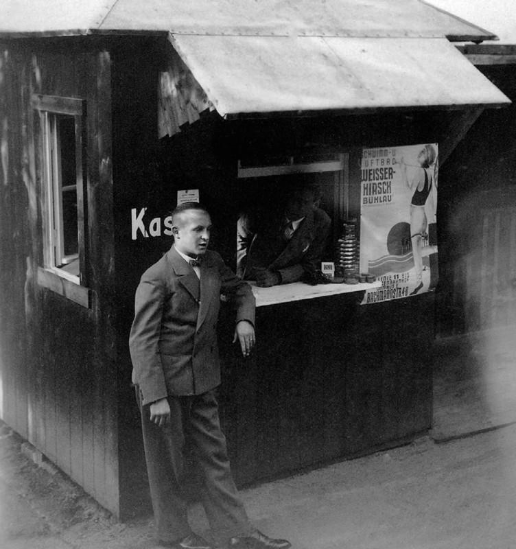 Kassenhaus des Familien-, Schwimm- und Luftbades Bühlau an der Grundstraße, um 1936. Foto: Elbhang-Photo-Galerie