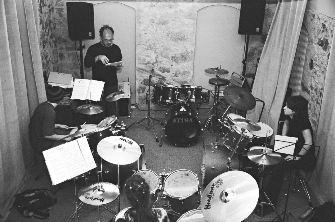 Schlagzeugprobe im Trommelschloss Foto: Archiv