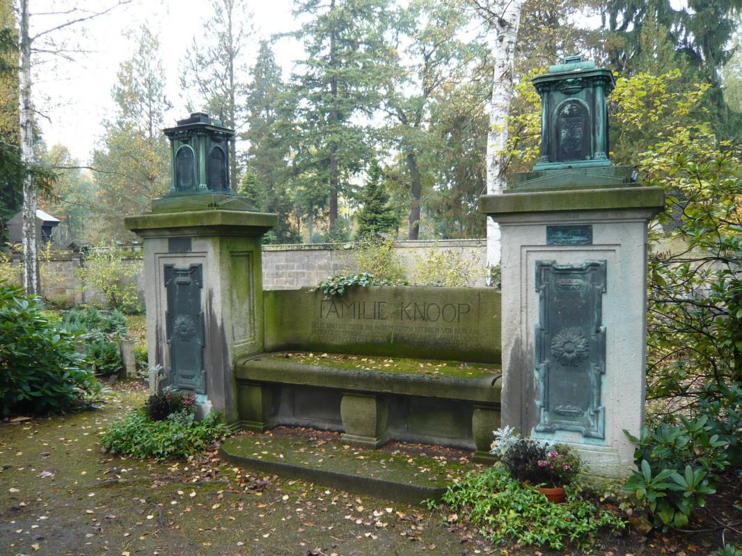 Grabstätte der Familie Knoop im Urnenhain Dresden-Tolkewitz. Foto: Ute Häse
