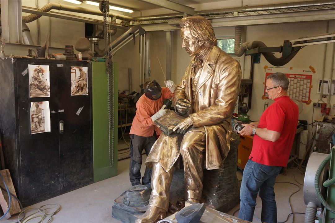 """Das wiedererstandene Ludwig-Richter-Denkmal wurde in der Dresdner Kunst-Gießerei """"Bildguss Gebrüder Ihle"""" geschaffen. Foto: Ernst Hirsch"""