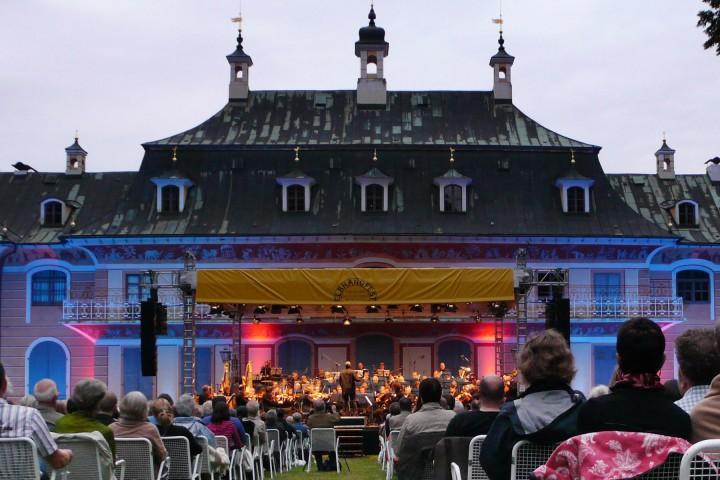 Abschlusskonzert des 19. Elbhangfests 2009 im Schlosspark Pillnitz. Foto: Holger Friebel
