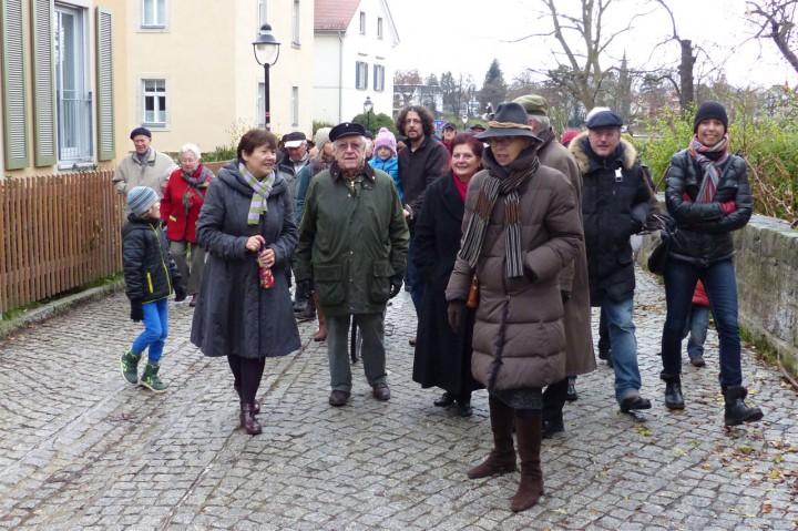 Unsere Gäste aus Hamburg Blankenese am Elbufer Foto: Hella Ulrich