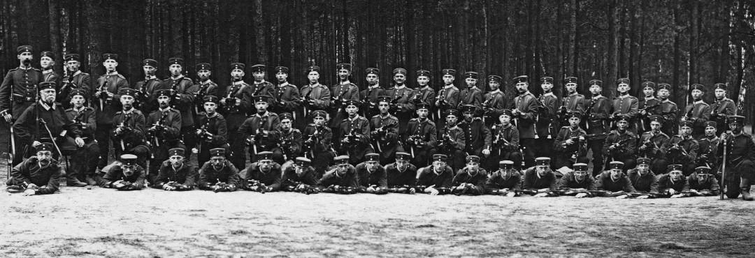 Fünfte Kompanie des Sächsischen Reserve-Infanterie-Regiments 241 im September 1914.