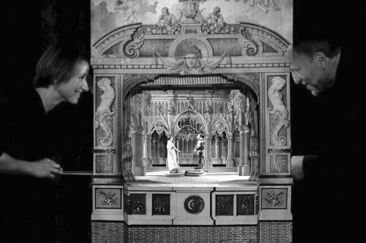 Kleines Dresdner Salontheater: Drei Haselnüsse für Aschenbrödel. Foto: PR