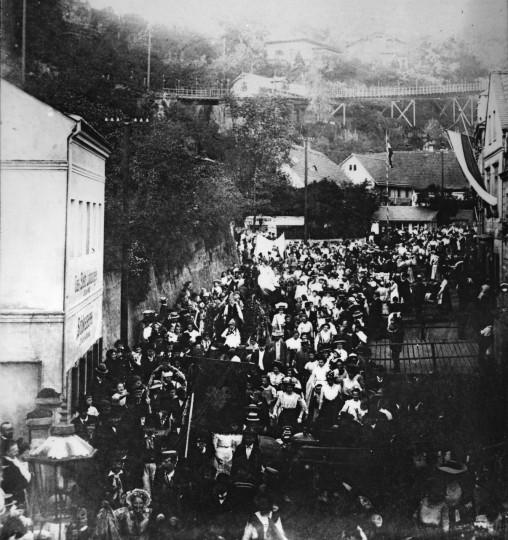 So feierte Loschwitz früher – Kirmesfestzug 1911. Foto: Slg. Griebel