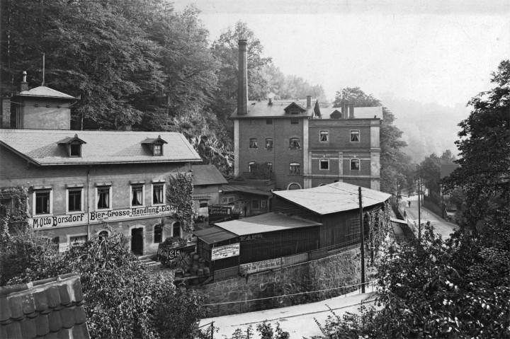Die Loschwitzer Brauerein, noch mit Schornstein, um 1905.  Foto: Archiv Kirchgemeinde Loschwitz