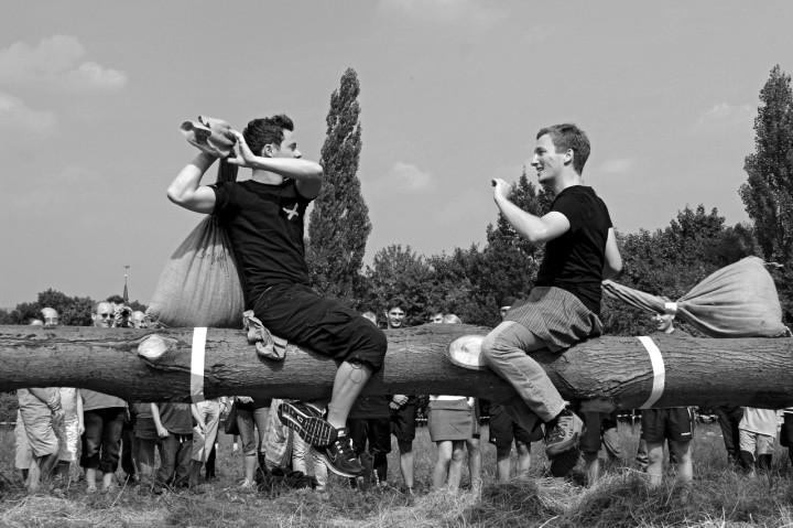 Die Highland Games kommen zum Anschauen und Mitmachen ins Camp auf die Wachwitzer Elbwiesen.  Foto: PR