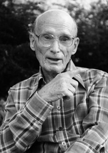 Georg Blume, Übersetzer und Shakespeare-Forscher (1910bis 2006) wohnte ebenfalls in  Dresden-Wachwitz«. Fotos (4): EHK